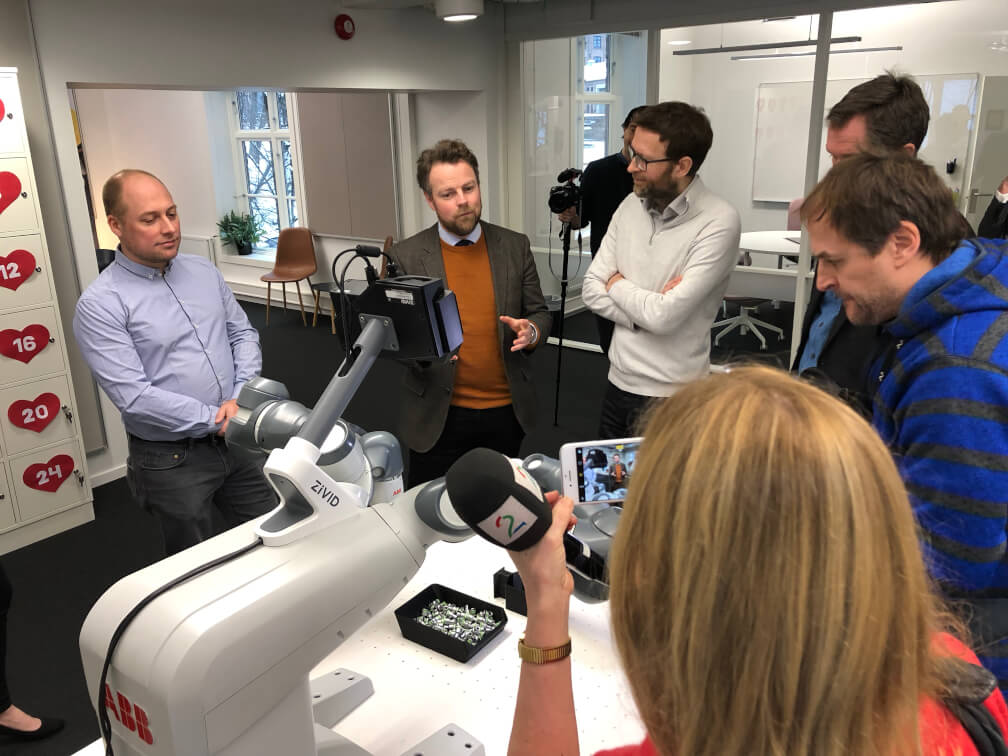 Norway Minister of Trade and Industry talked to the founders of Zivid